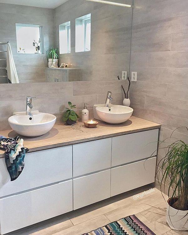 Baños blancos y en madera. El baño que buscas está aquí ...
