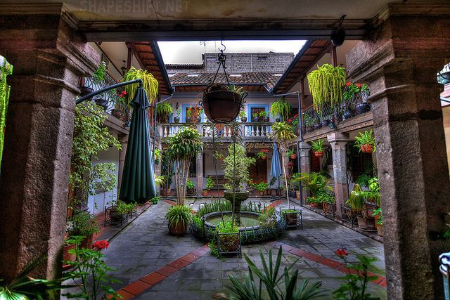 Spanish colonial courtyards spanish colonial courtyard for Spanish style house plans with interior courtyard