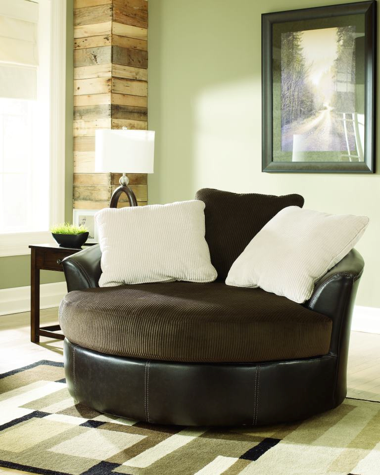Attrayant LOVE LOVE LOVE This Oversized Swivel Chair From Ashley Furniture Home Store    I Love The