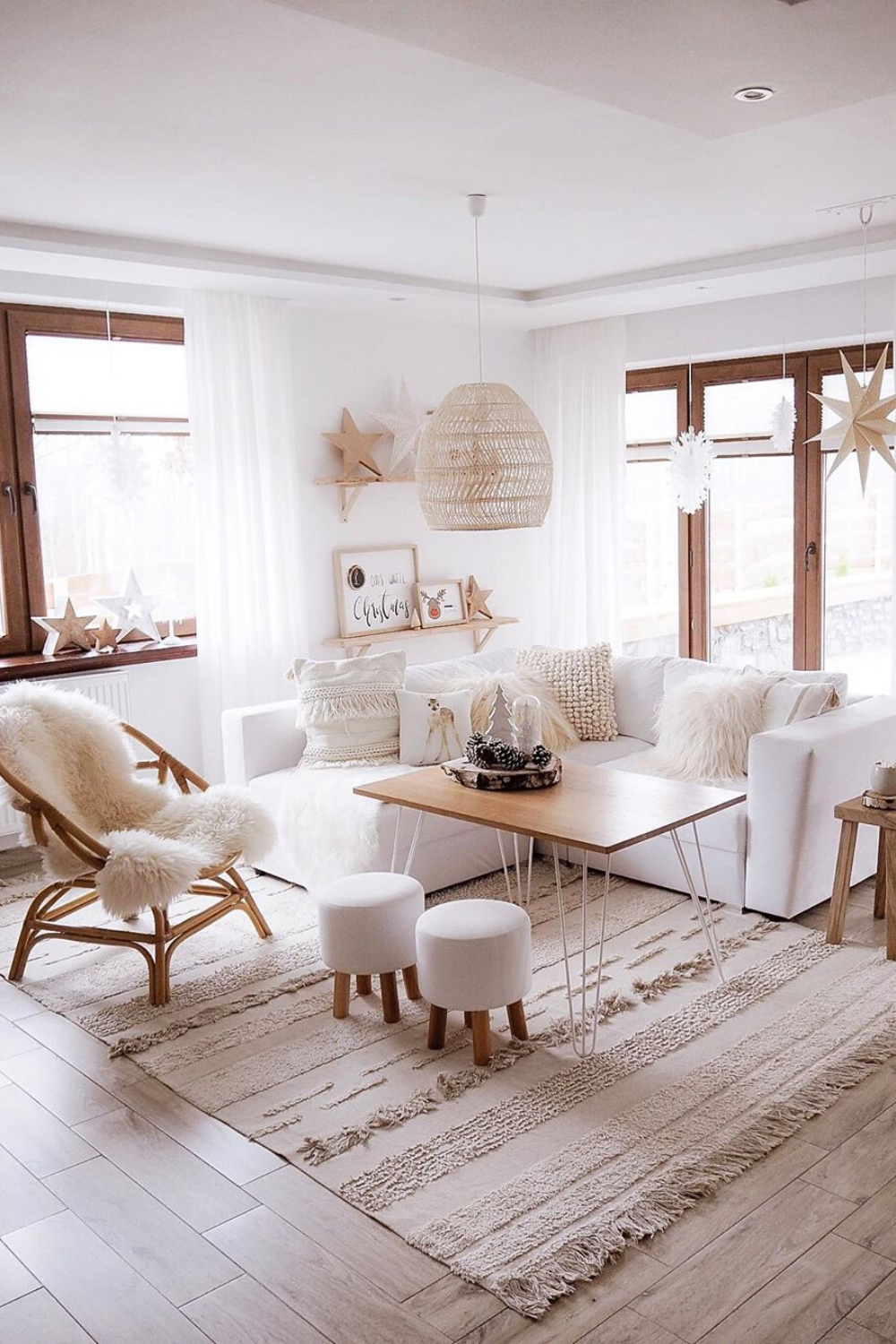 25 Stylish Living Room Decor Ideas For Any Budget In 2020 Stylish Living Room Living Room Decor Home #stylish #living #room #furniture