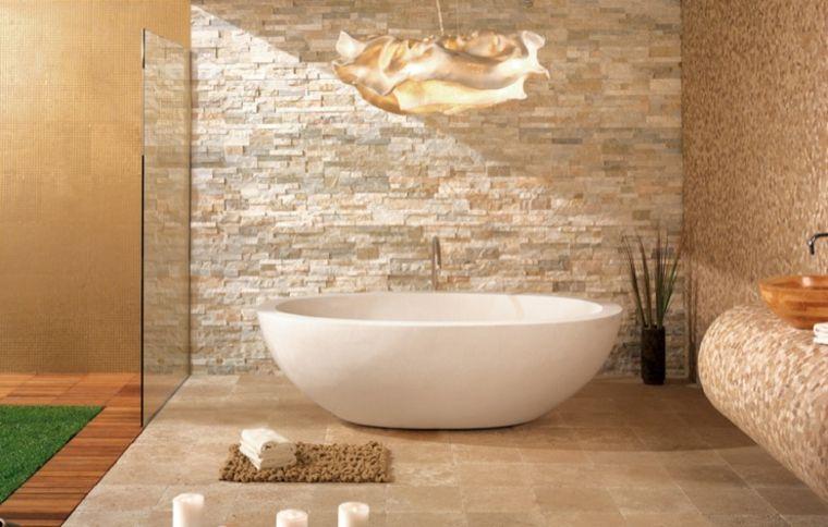 Rustico E Moderno Bagno Con Vasca Ovale Freestanding E