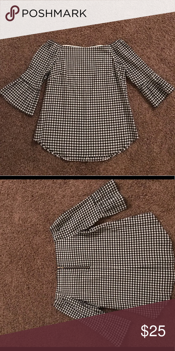 ad86eee957b White House Black Market off the shoulder top Off the shoulder gingham  checked top with zipper detail on the back! Perfect to pair with white  jeans in the ...