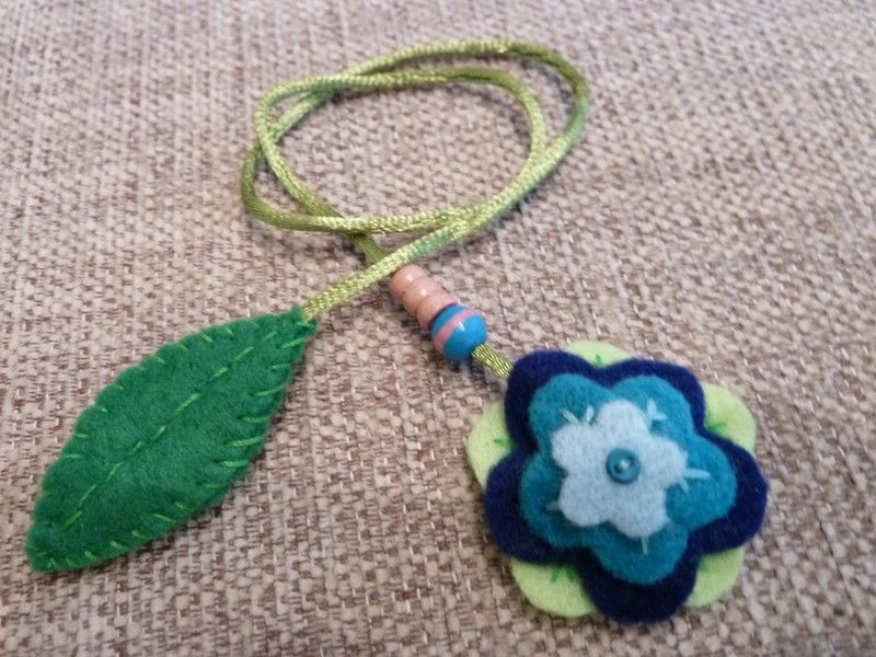 Felt flower-shaped bookmark.