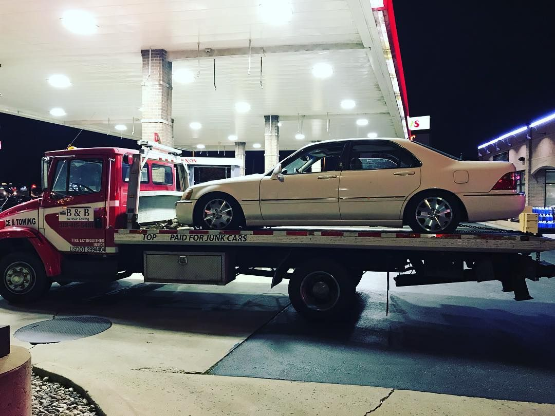We out here working call B&B Towing 313-415-5481 for your next tow ...