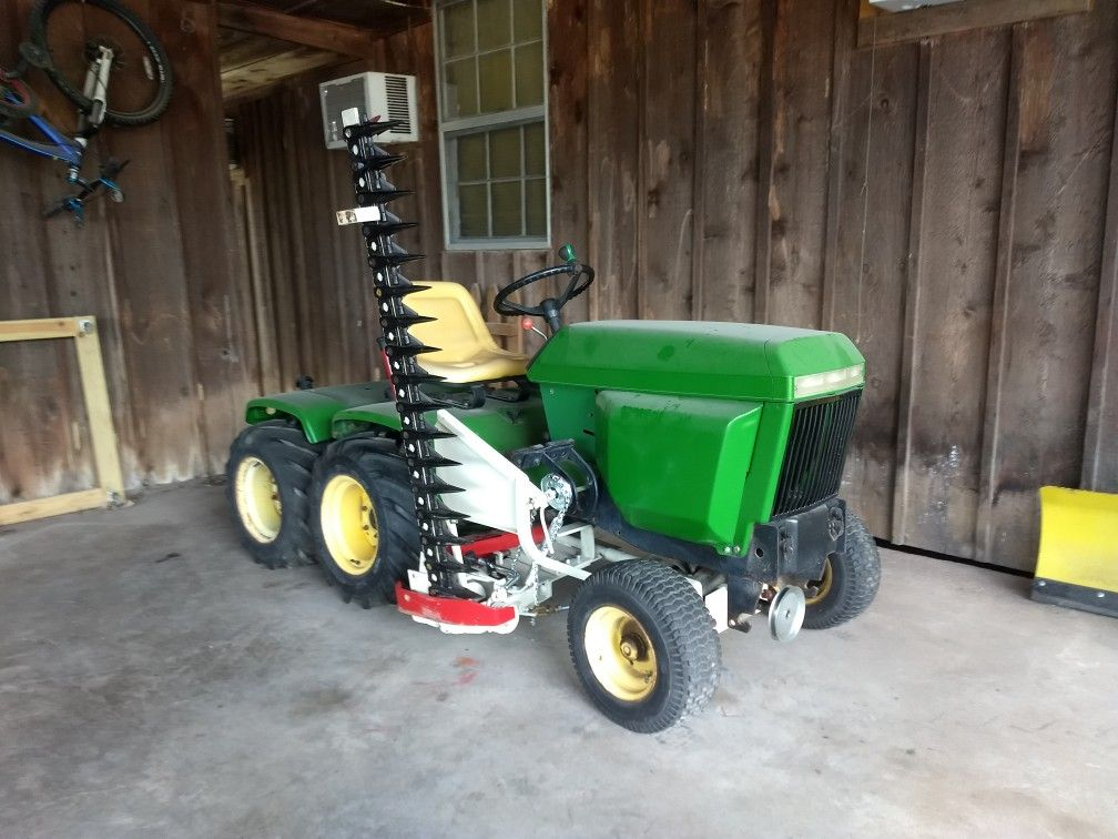 John Deere 317 tandem axle garden tractor with Haban Sickle