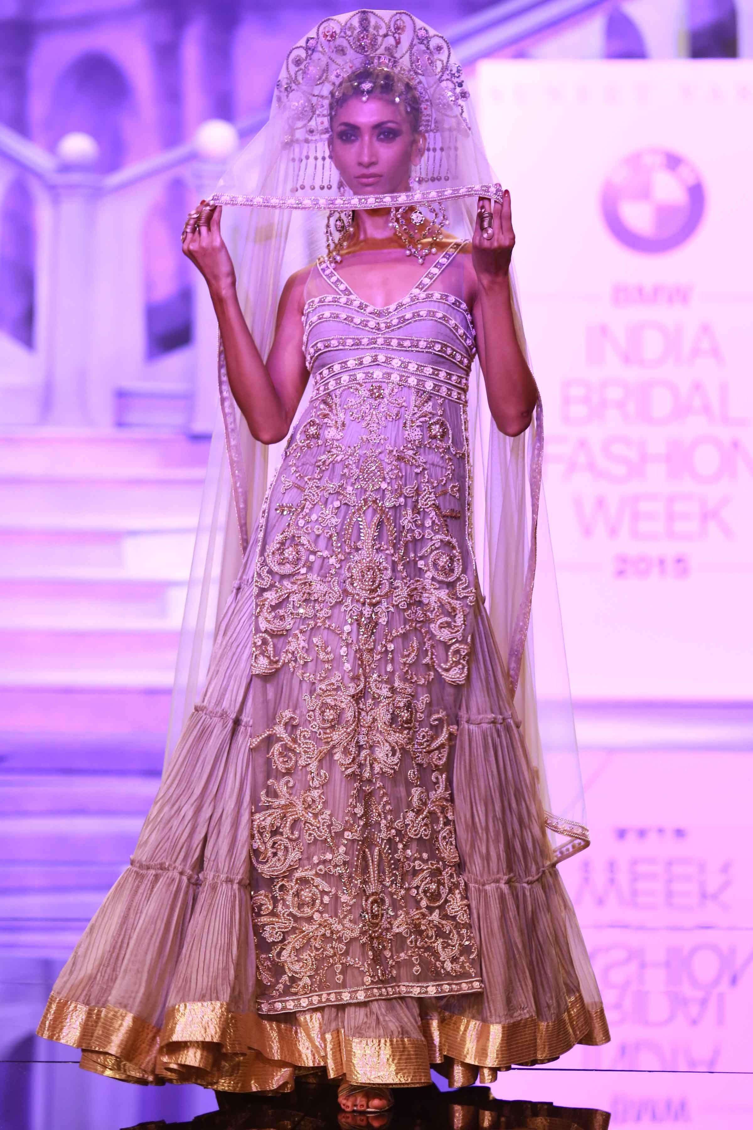 Vistoso Vestidos De Boda En Nueva Delhi Adorno - Colección de ...