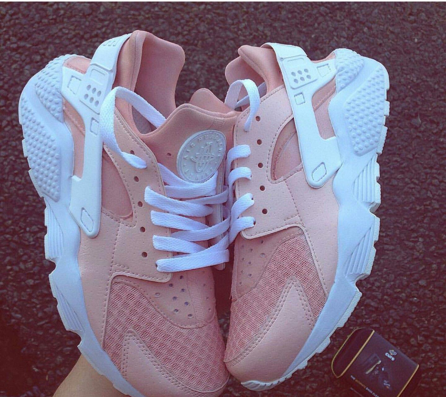 pink Nike Huarache   Nike shoes women