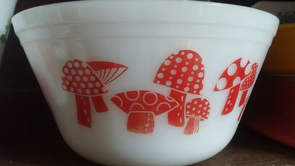 HTF Vintage red mushroom mixing bowl milkglass federal ware / Pyrex ...