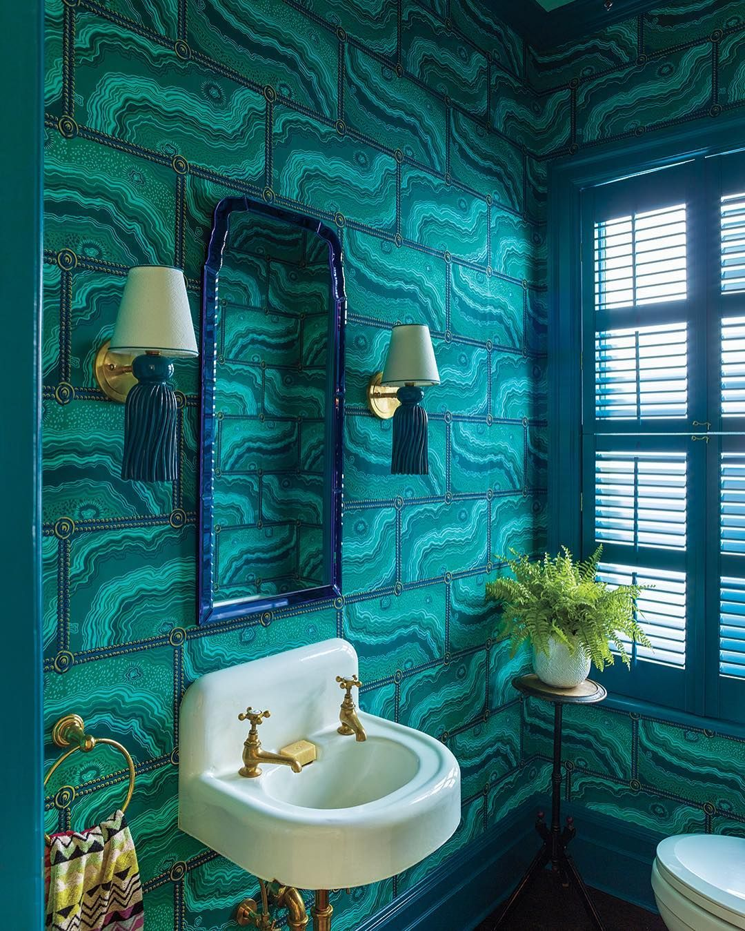 Cottages Gardens On Instagram It S An Emerald Dream In This Beautifully Restored Powder Room Featuring Col Bathroom Design Jewel Tone Decor Powder Room