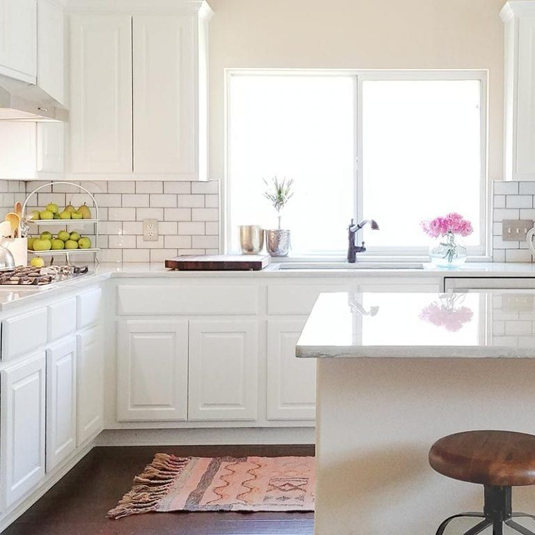 White kitchen, painted cabinets, Sherwin Williams SW 7005 Pure White, cabinet painter #purewhite