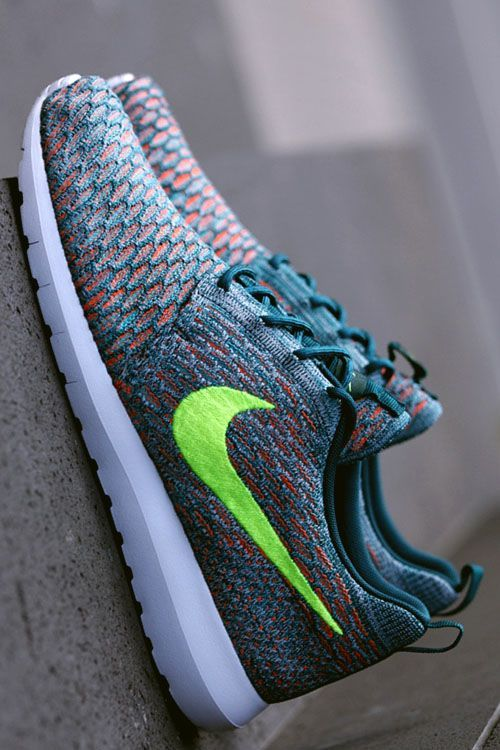 Pin By Nabil Za On Cool Kiks With Images Nike Shoe Store Nike