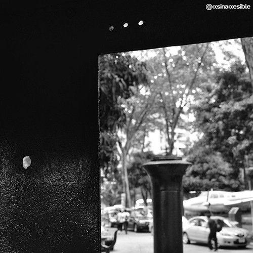 #caracas #caracasinaccesible #ccsinaccesible #venezuela #bnw #blancoynegro #blackandwhite #noiretblanc #mdbw #bnwvenezuela #bwsworldwide #nofilter #streetphoto