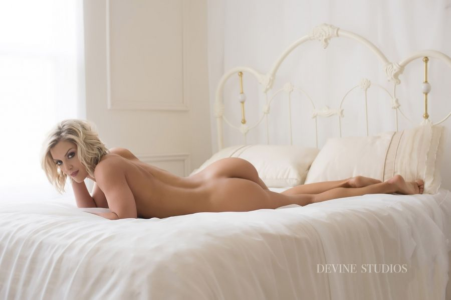 nude Kansas city photographer boudoir