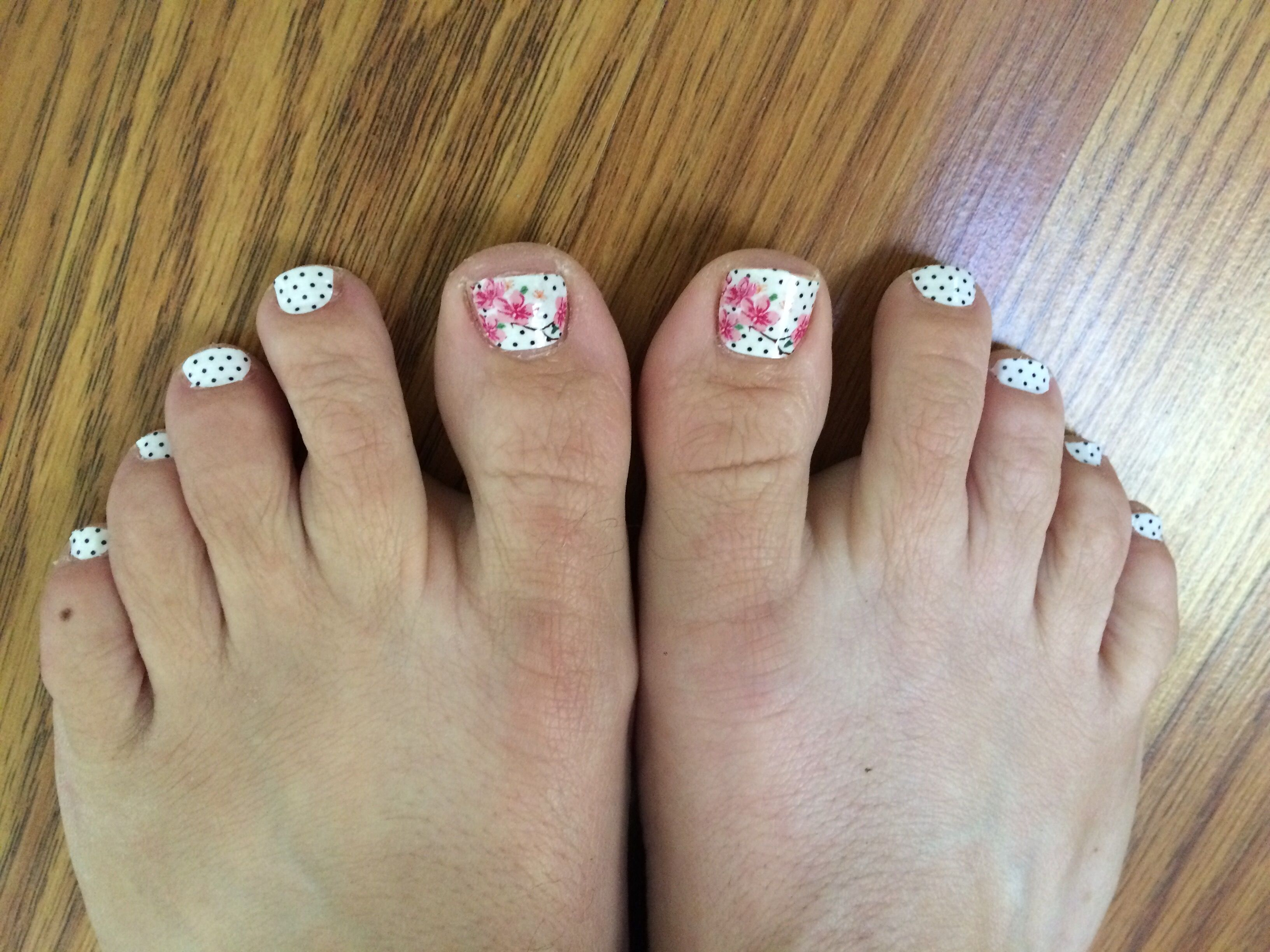 Nail Wraps Color Street S Sakura Festival It Only Took Me 12 Minutes To Do My Toes