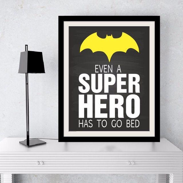 Para imprimir el arte incluso un super hero tiene que ir la cama ...