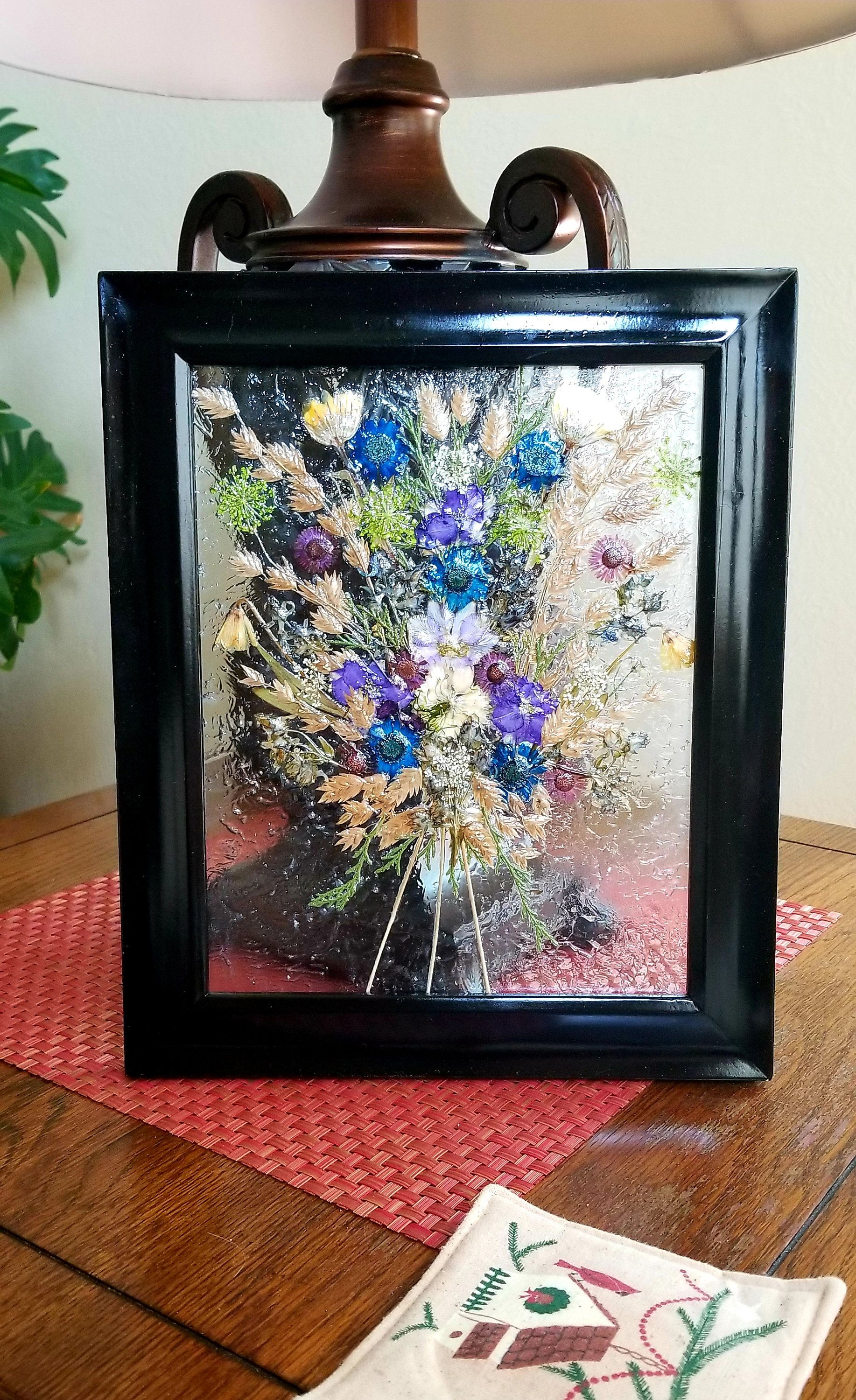 Real Pressed Flowers On 8 X 10 Glass Framed Floating Flowers Real Pressed Flower Bouquet In Floating Frame Fl Framed Flower Art Flower Frame Pressed Flower Art