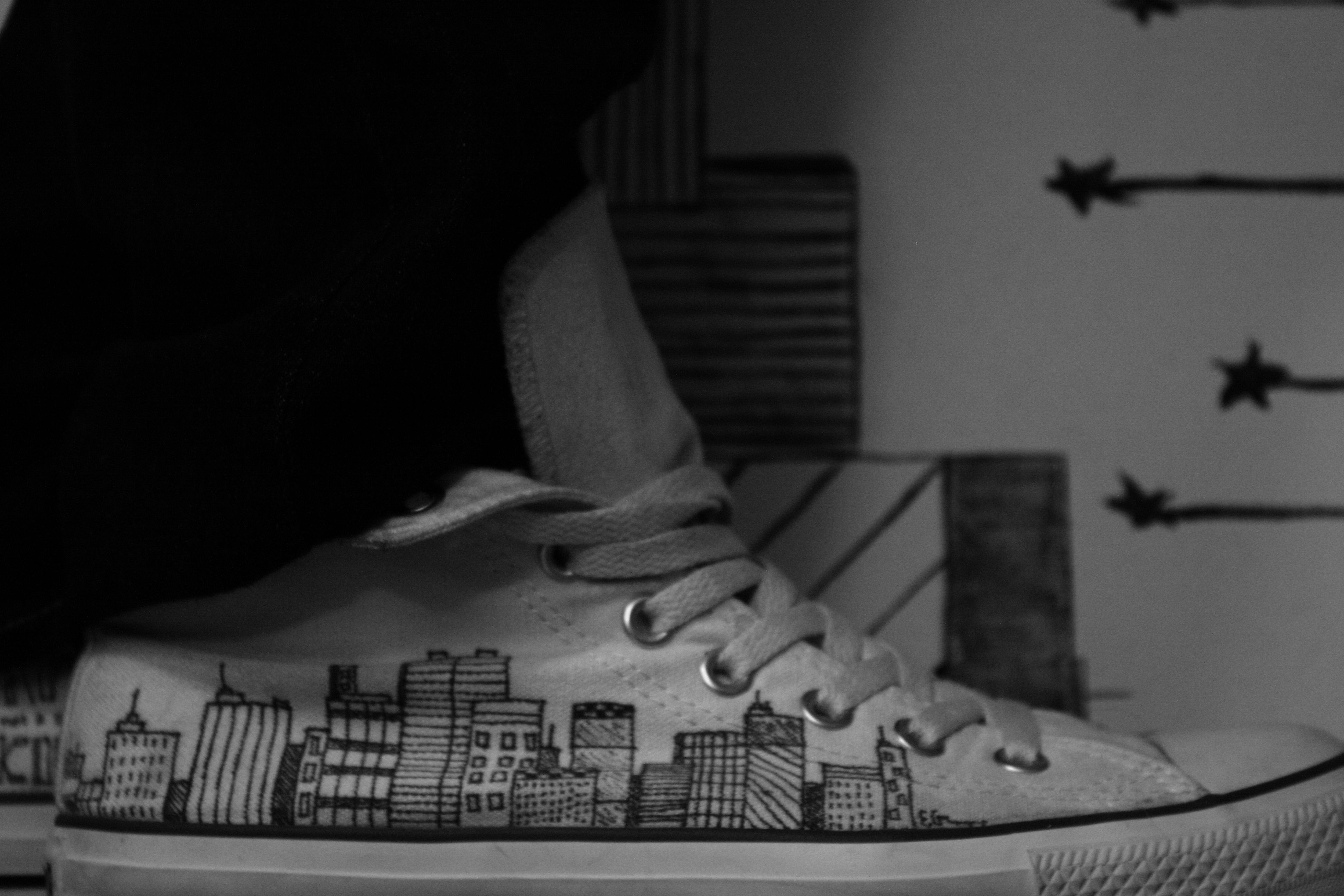 990bb89a4e06 drew this in sharpie on my white converse