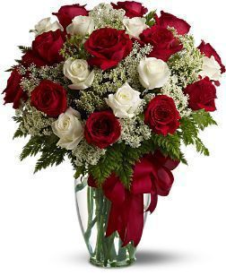 Consegna Fiori On Line.Love S Divine Love S Divine And Roses Are Too At Almost Two Feet