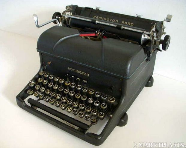 Goedwerkende Antieke Remington Rand Typemachine.