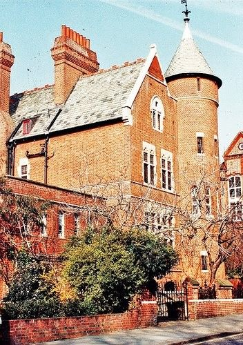 Tower House Home Of Jimmy Page Of Led Zeppelin Jimmypage Ledzeppelin Ledzep Zep Towerhouse Tower House Led Zeppelin Zeppelin