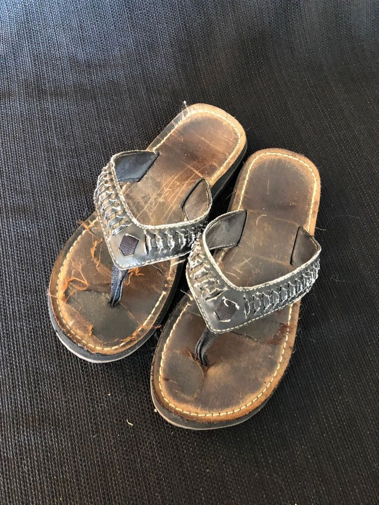 86dc8b682ee76d Well Worn Womens Used Clarks Sandals Size 6  fashion  clothing  shoes   accessories  womensshoes  sandals (ebay link)