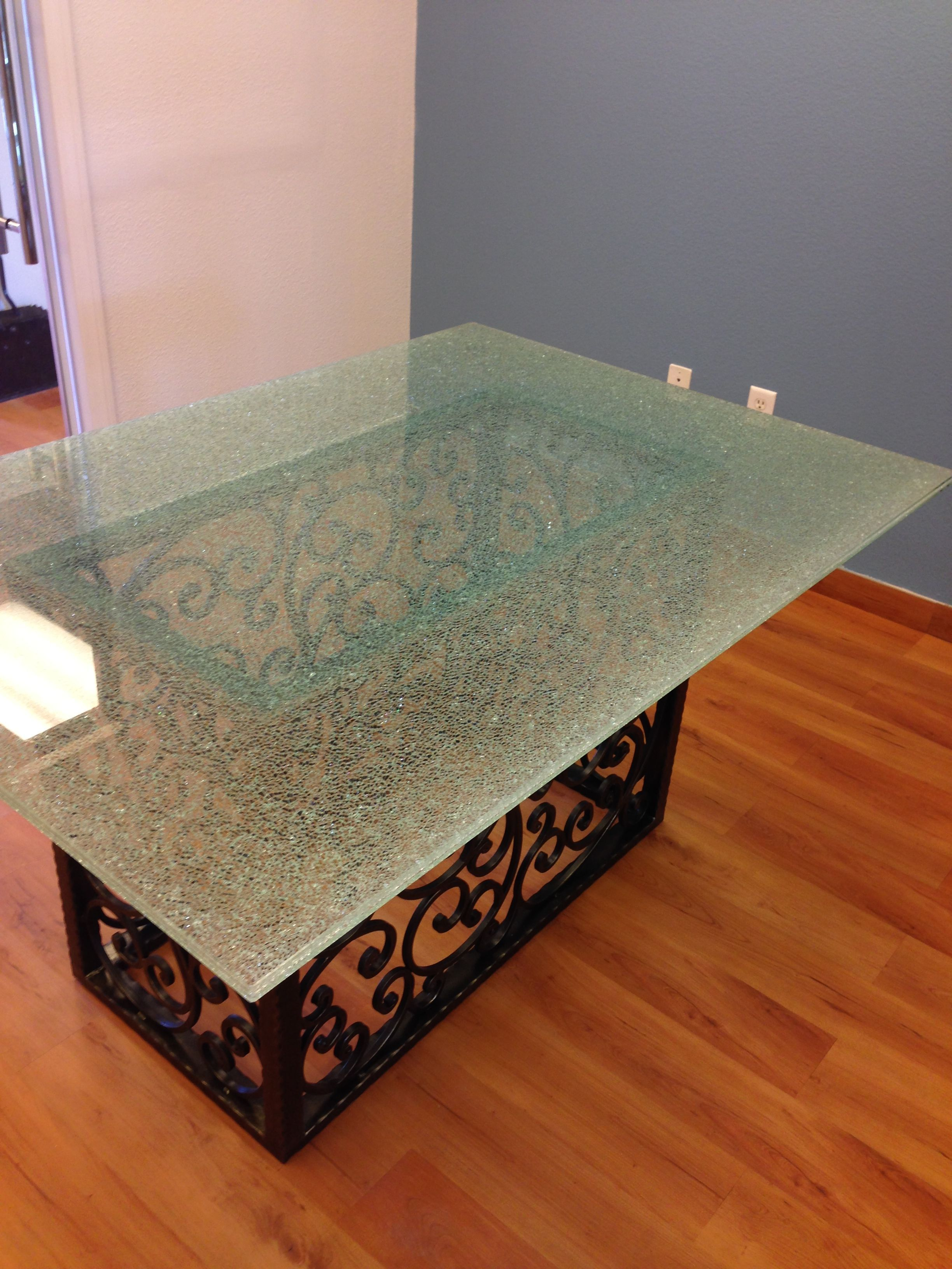 Genial Round Plexiglass Table Topper   So You Searching For The Perfect Dining  Table To Really Go Into That New Apartment You Rented? Or You Need A New  Stylish Pi