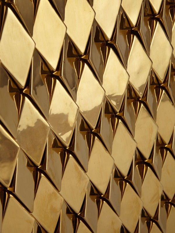 Wellington Tile In Gold High Gloss Finish With Each Row Facing Alternate