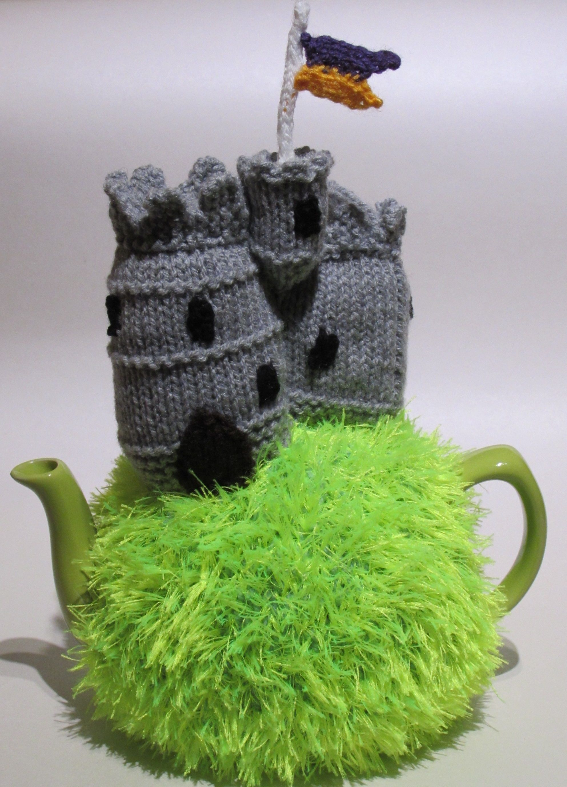 The Medieval Castle Tea Cosy is the latest tea cosy from the TeaCosyFolk range. This is an usual tea cosy with a stone built Norman castle on the top of a grassy knoll. The tea cosy and the pattern are available.... Because every man's tea cosy is his castle. http://www.teacosyfolk.co.uk/show.php?id=89