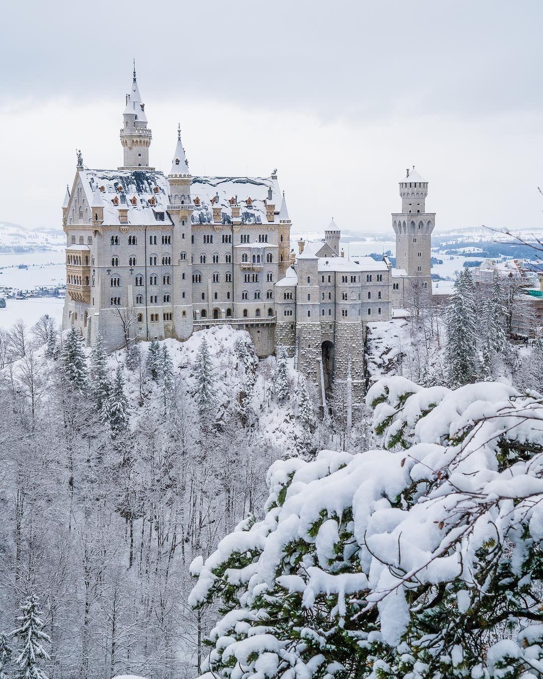 Schloss Neuschwanstein By Mutyyyaaa On Ig Neuschwanstein Castle Beautiful Castles Castle