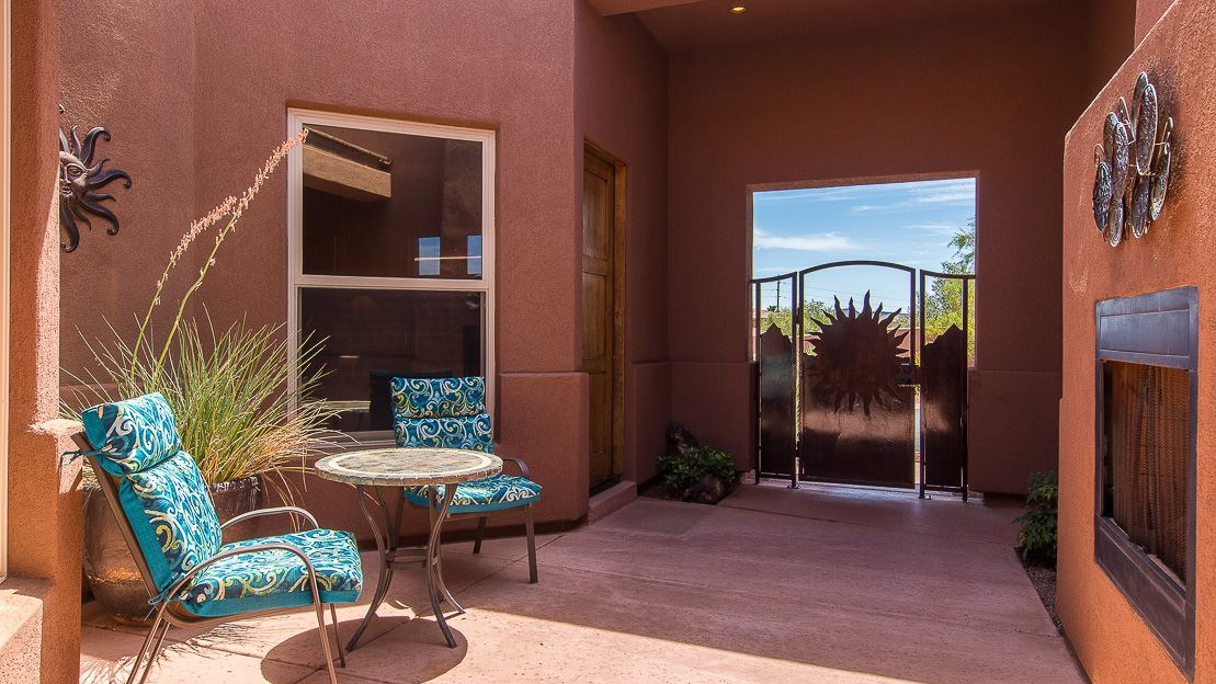Beautiful views from this courtyard in our 3br3ba