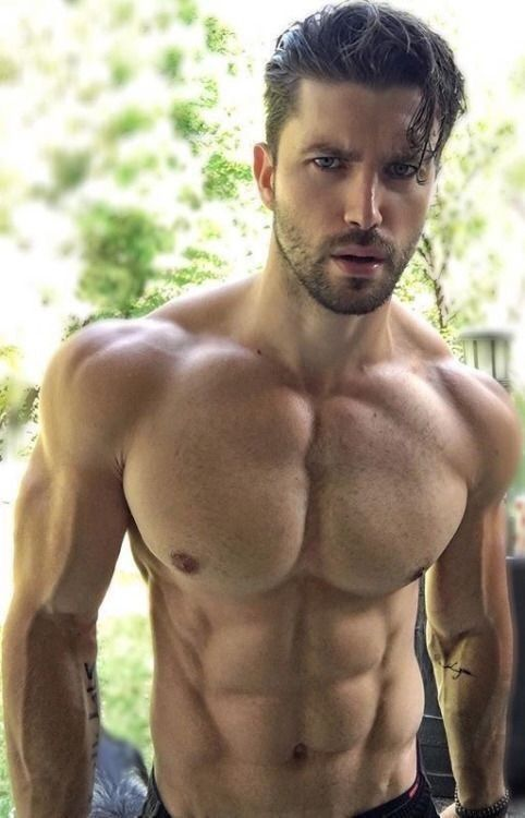 Hot muscle twinks