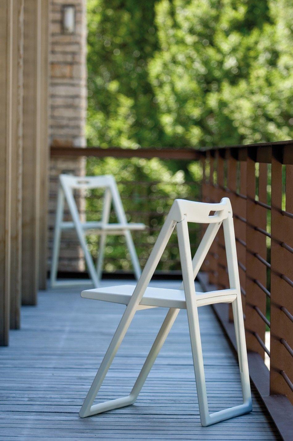 Avete scelto come arredare il vostro giardino?    Sedia pieghevole di design Pedrali Enjoy 460 | Webarredoitalia.com