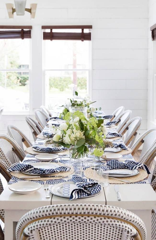 Serena Lily And Domino Throw A Sxsw Dinner Party In Austin Stylish Table Setting Summer Tables Table Decorations