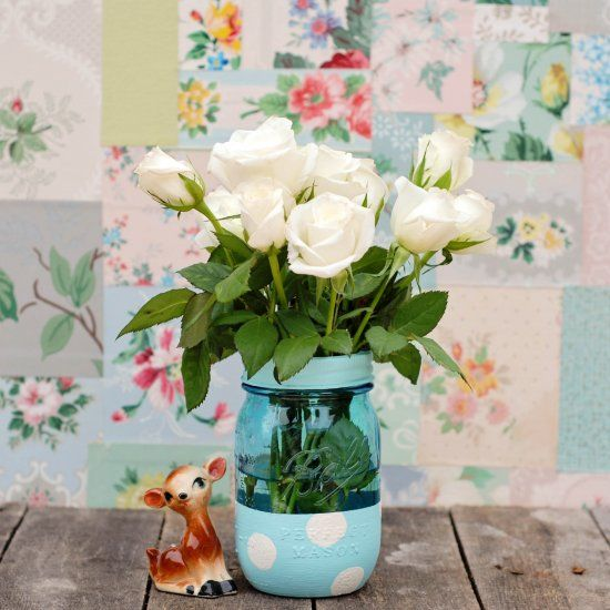 Turn a mason jar into a sweet vase with just a little paint