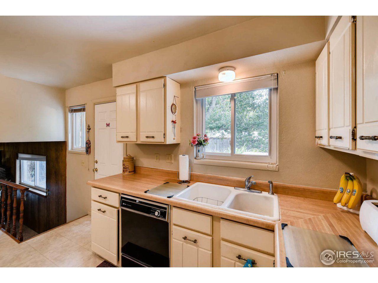1324 S Lincoln St, Longmont, CO 80501 3 beds/3 baths