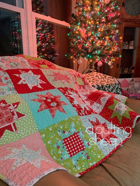 A Quilting Sheep: Vintage Holiday ~ 2019 Christmas Quilt