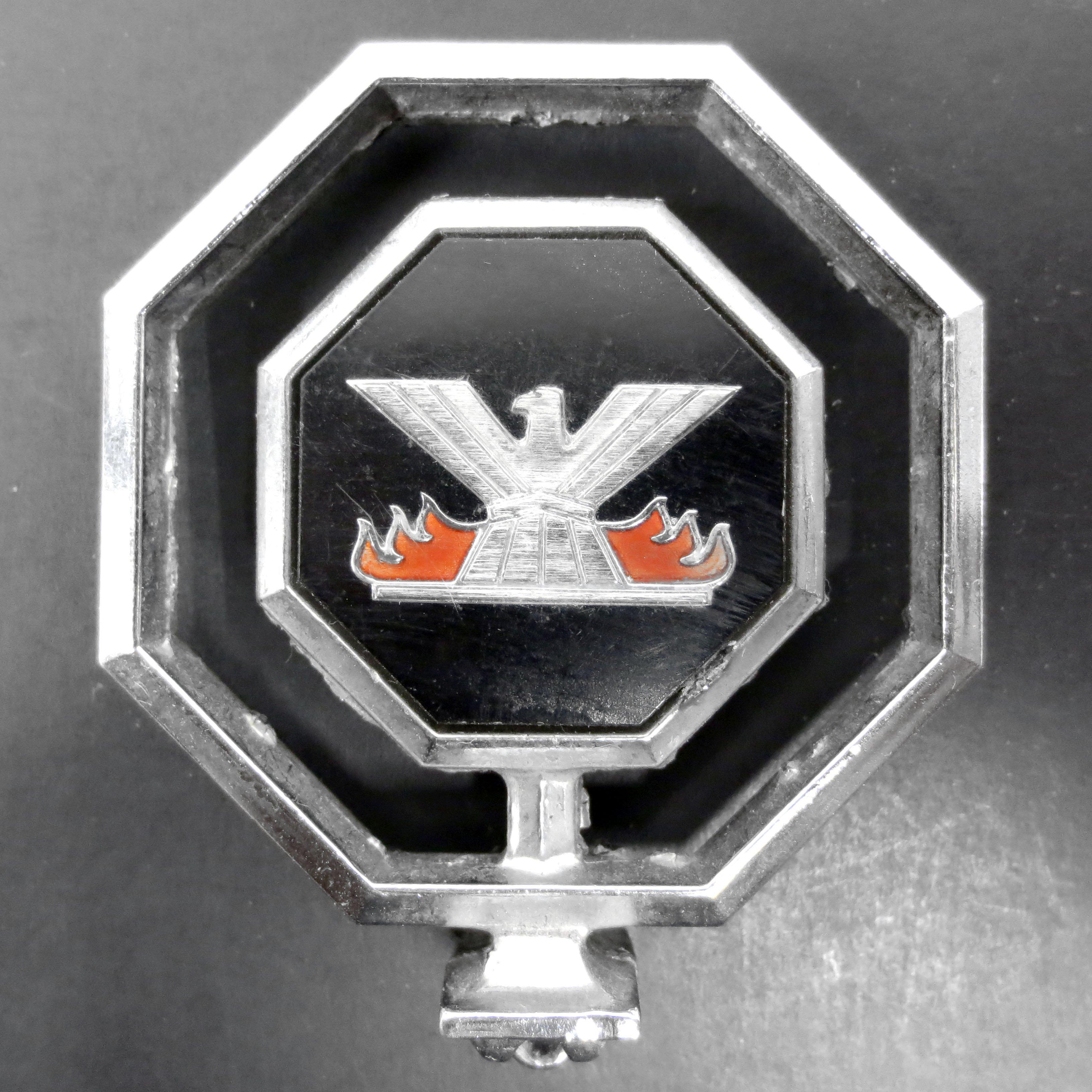 Vintage Pontiac Phoenix Car Hood Ornament Header Emblem Badge 1977