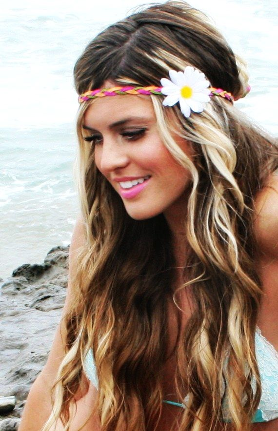 20 Pretty Hairstyles With Headbands--ok a few of these are dumb but I like  most of them  ladylux  beachwaves c6a7efe1019