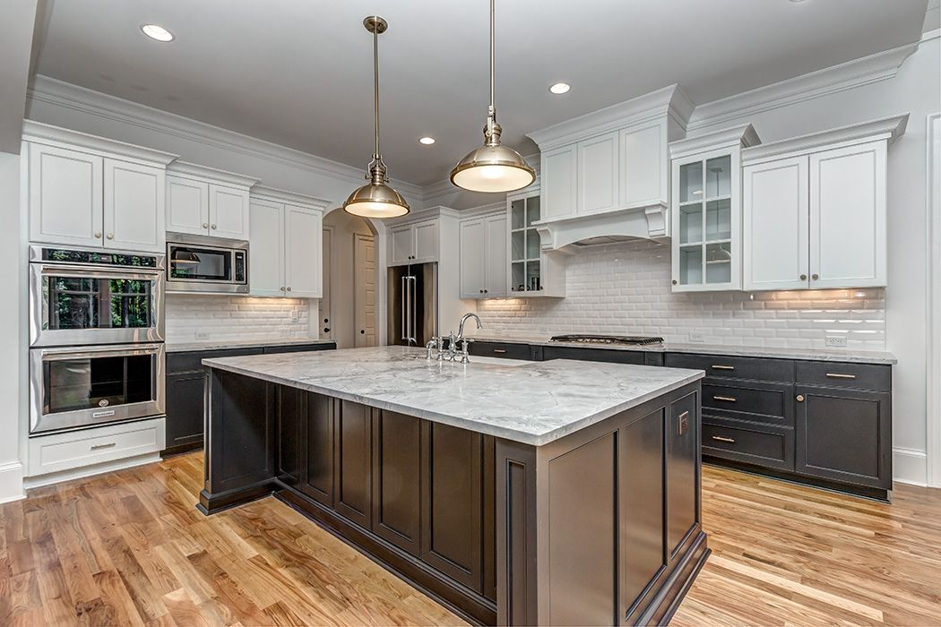 Kitchen Island, Painted Cabinets, Tricorn Black SW6258 ...