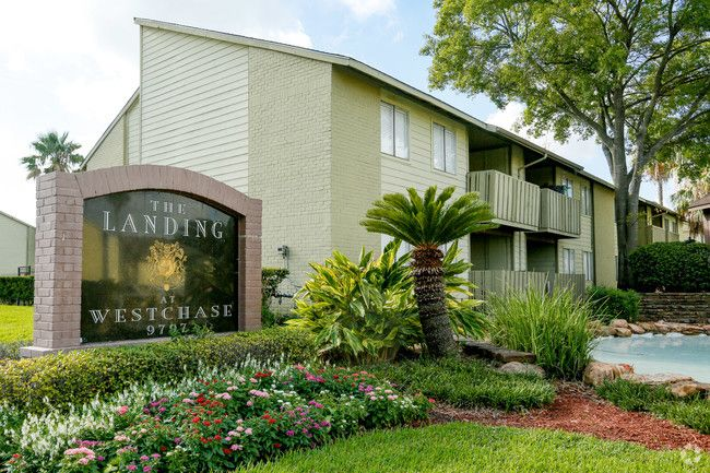 See all available apartments for rent at The Landing at Westchase in Houston, TX. The Landing at Westchase has rental units ranging from 410-1043 sq ft starting at $575.