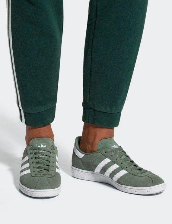 nuovo rilascio münchen nella traccia verde e calzature bianche adidas