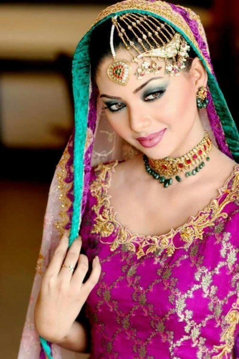 Aishwarya rai wedding dress  Pin by Dennis Spaans on face it  Pinterest  Face