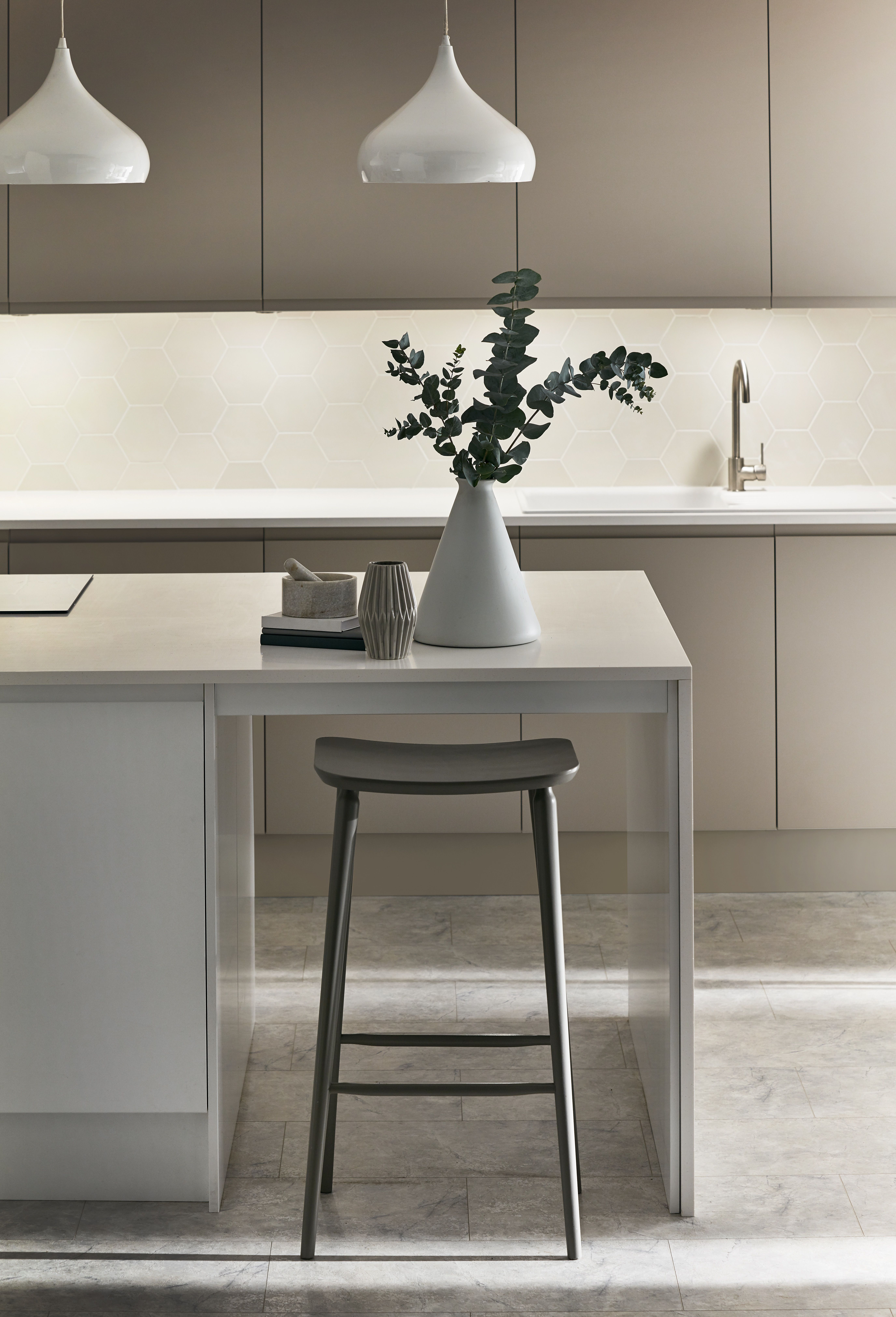 The Clean Lines Give This Kitchen The Perfect Modern Feel Take A Look At The Clerkenwell Matt