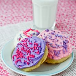 Soft Frosted Sugar Cookies - a homemade version of the kind you'd find in your supermarket