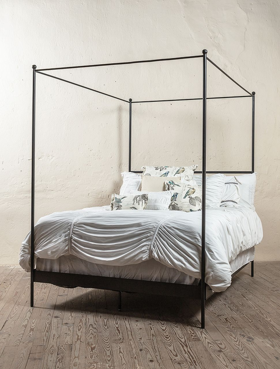 Corinth Iron Canopy Bed In 2020 Iron Canopy Bed Iron Bed Wrought Iron Beds