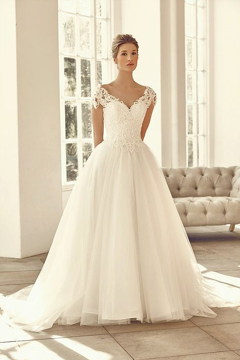 Benjamin Roberts Wedding Gown At Lief Bridal Birmingham
