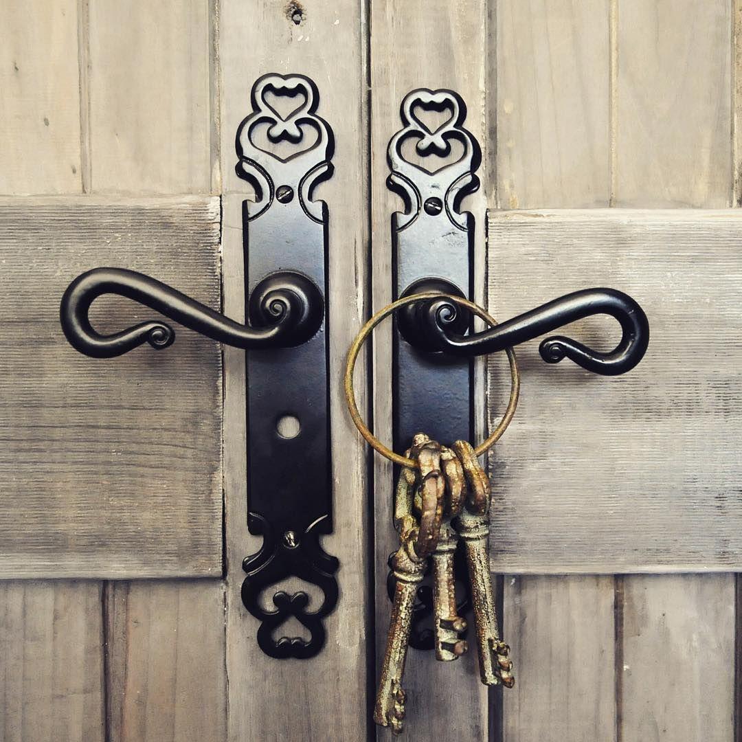 Instagram Photo By Restoration Online May 16 2016 At 10 40am Utc Antique Doors Vintage Doors Door Handles