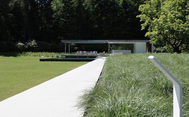 Villatuin noord holland minimalistische tuin door andrew van