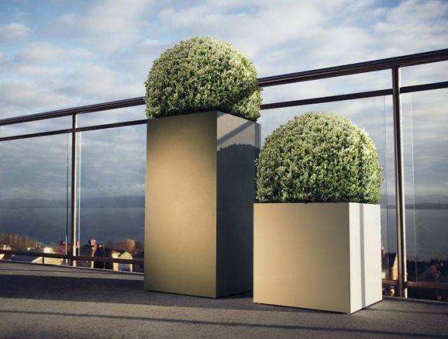Balkon » Skandinavisch angehauchte Eisen-Pflanzgefäße \u2013 LINNÉ von - markisen fur balkon design ideen