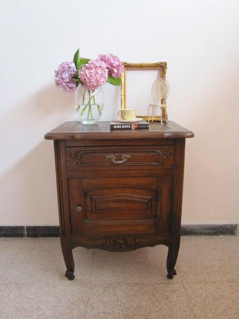 Mesa de luz provenzal antigua.   Muebles Restaurados   Pinterest ...